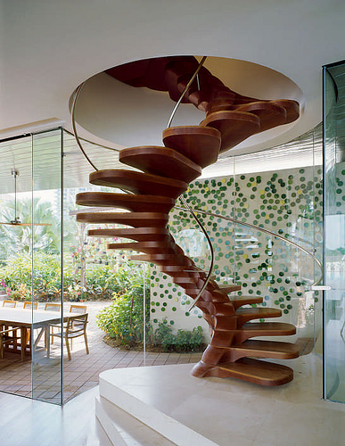 Amazing Spiral Spine Staircase